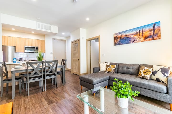 Amazing New 2 BR Apartment by The Beach!