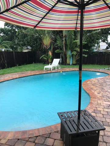 1-bedroom home cozy & private, relaxing backyard.