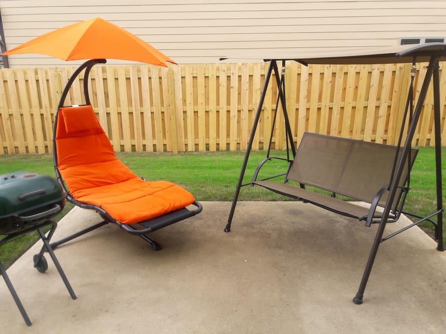 Backyard serenity & comfort...