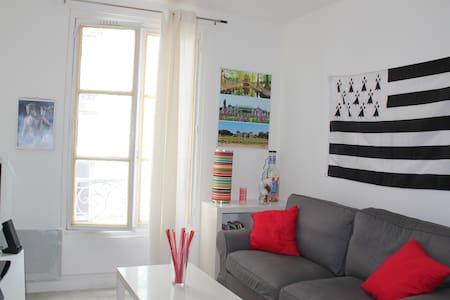 Cosy flat in Menilmontant