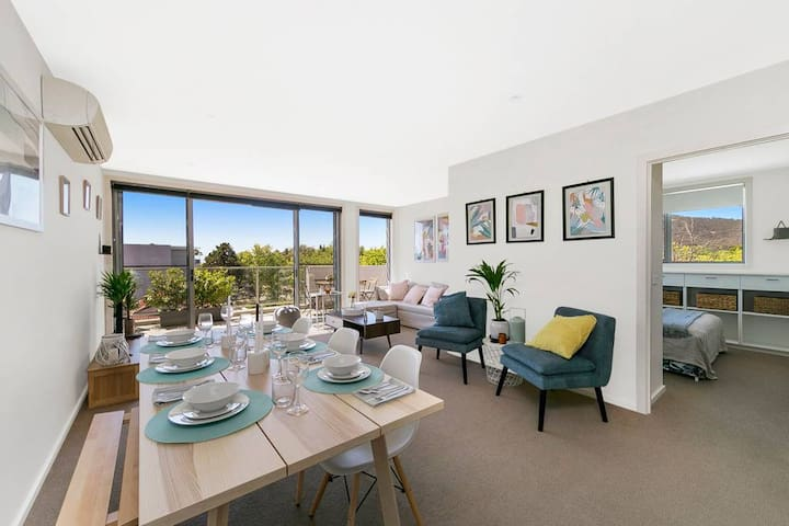 ✬ Braddon 3BR - Views, Parking, 8 mins walk to CBD