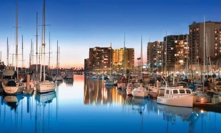 Charming Stay-aboard Rental - Marina Del Rey