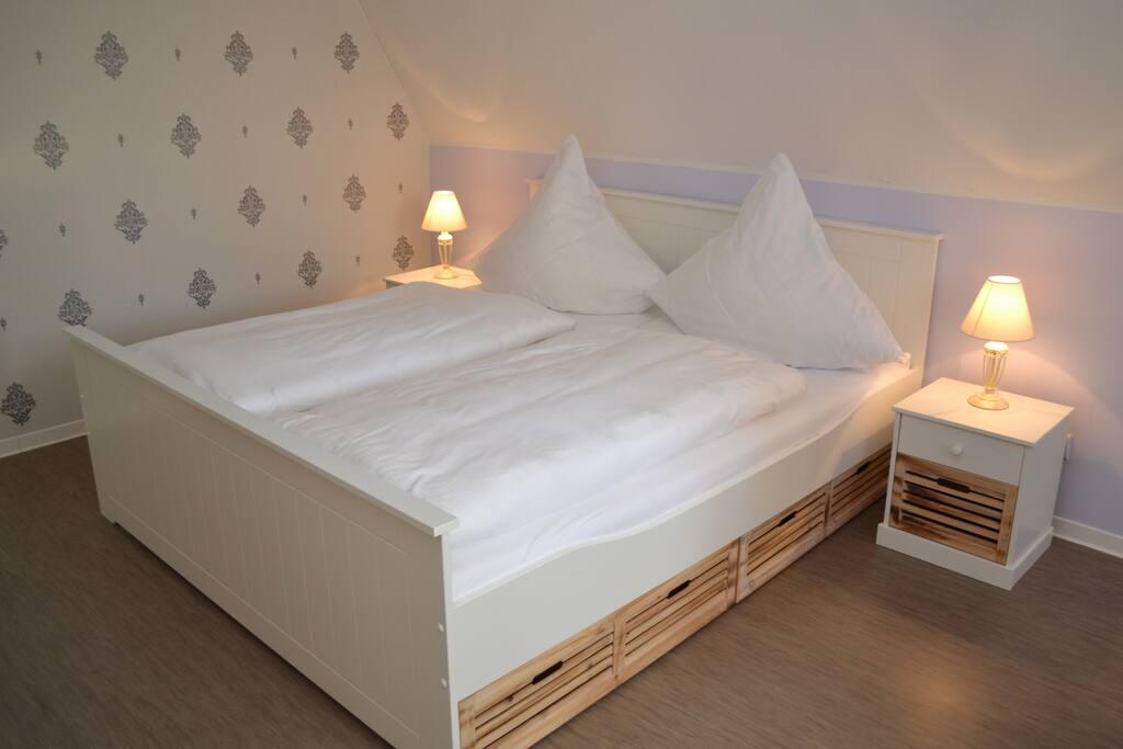Schlafzimmer 3 Personen- Marie-Louise