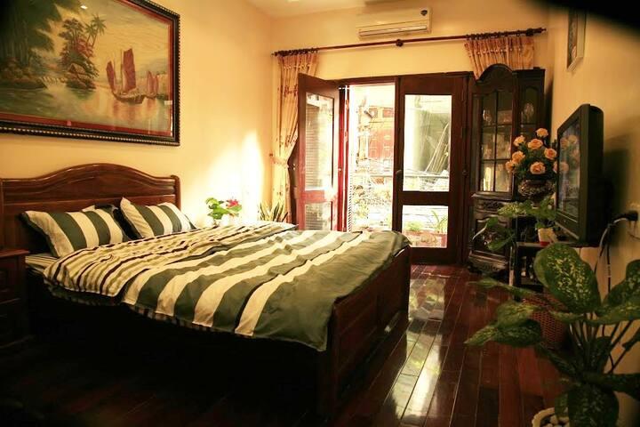 Private peaceful room near westlake Hanoi - 1