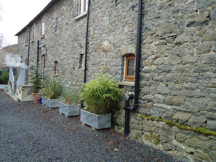Stunning barn conversion in quiet rural location