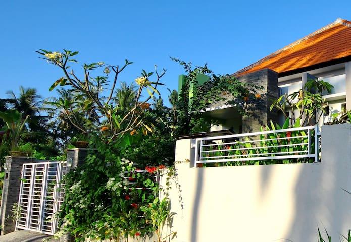 3BR-Private House Near Surf Beach - Gianyar - Villa