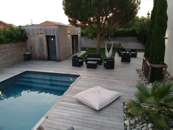 "Modern ""Pool House"""