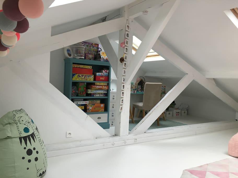 chambre enfant lit double+matelas une personne