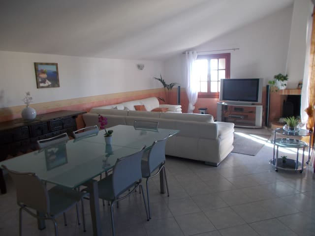 Nice apartment in Sardinia internet WI-FI (FTT)