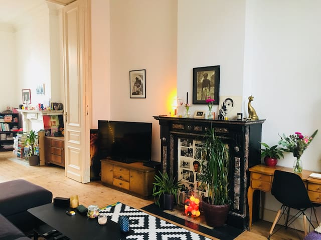 Lovely bedroom Louise/Ixelles/Châtelain area!