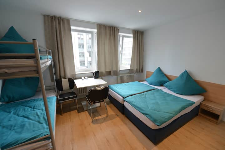 Studio-Apartment at Upper Floor Am Wehrhahn 38