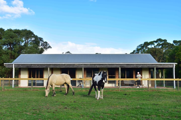 Aireys Inlet The Glen Farm Cottage 1