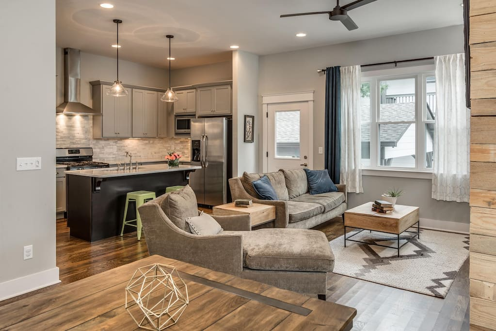 Living/Dining space - open concept - great space for everyone to hang out