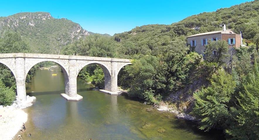 Stunning river gite, nr Roquebrun - Hérault - Dům