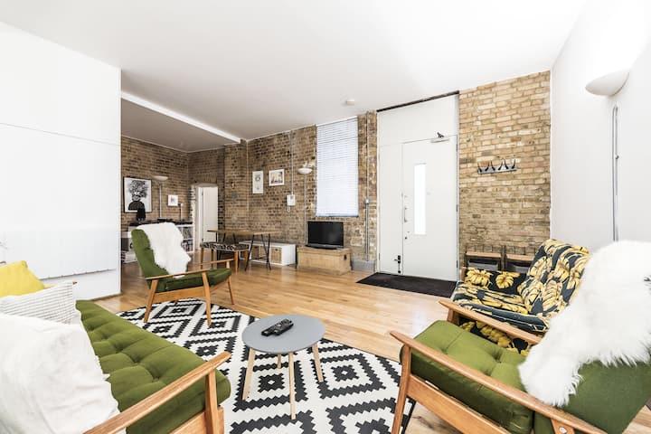 Modern warehouse in heart of London Fields