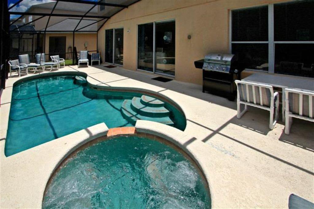 Private Pool w/ SPA