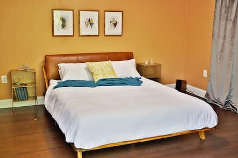 Master Bedroom w/ Queen Bed, Walk-In Closet, Turntable/HiFi, and Balcony