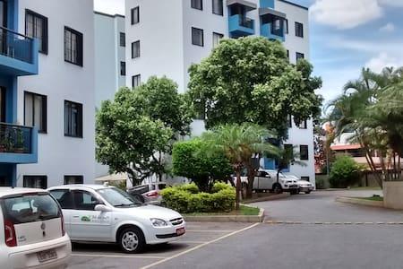 Quarto Inteiro - Belo Horizonte - Daire