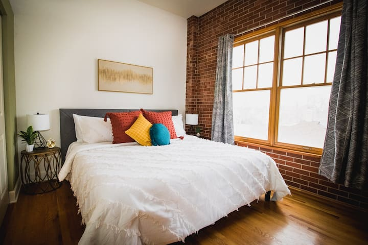 Cozy king size bed in the Master Bedroom