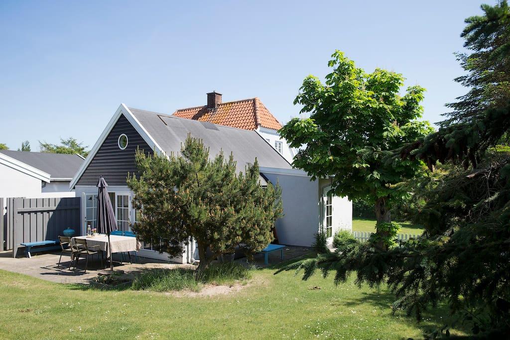 Fin have med plads til lej og hygge