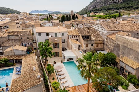 Luxury Mansion sleeps 12 in Pollensa Old Town