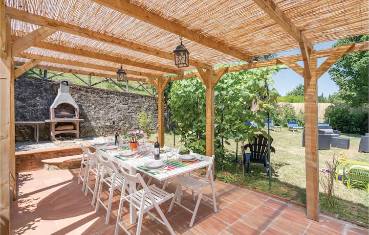 Holiday cottage with 4 bedrooms on 180m² in Greve in Chianti