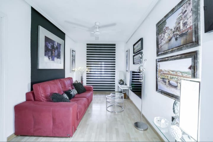 Habitación pequeña y confortable, buen ambiente!..