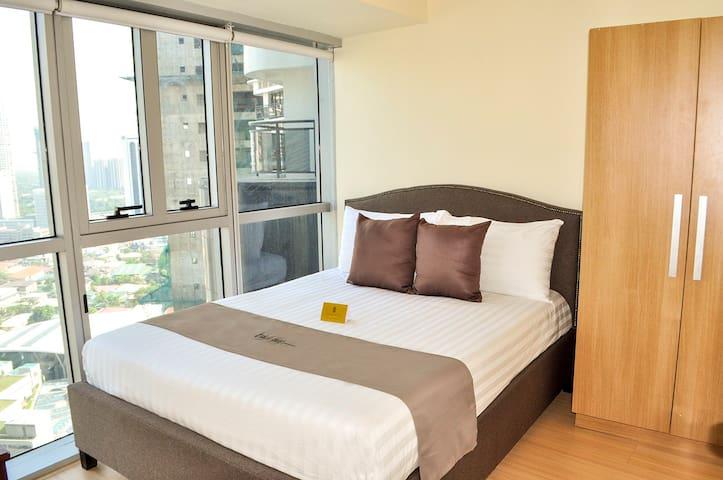 SIGLO SUITES @ Knightsbridge 2910 - Makati - Apartemen