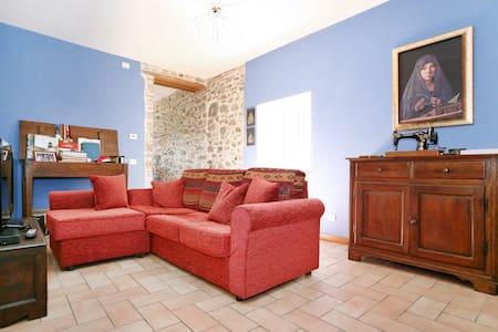 Casa in pietra in un antico borgo - Borgo A Mozzano - Talo