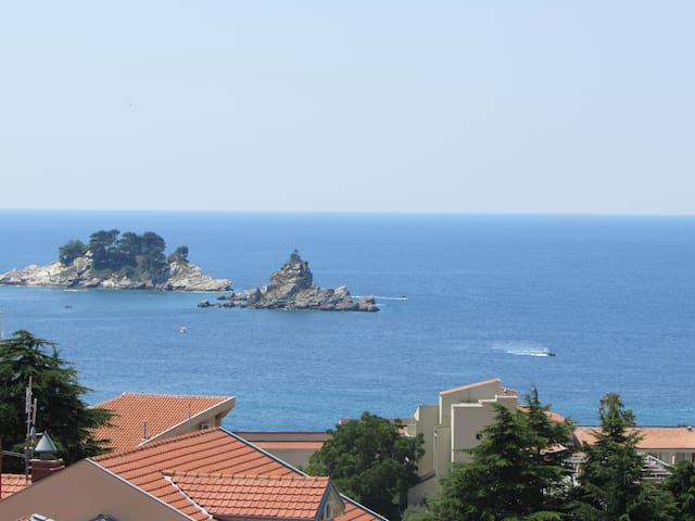 60m2 Apt - Amazing Sea Views  - Petrovac - Apartament