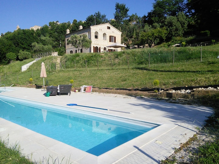 Country Apartment in Altidona pool and sea view