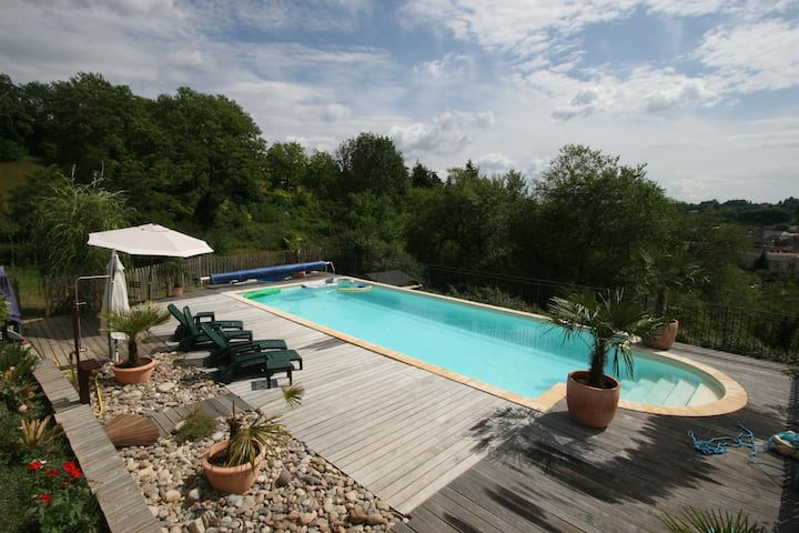 Sarlat , south facing, heated pool
