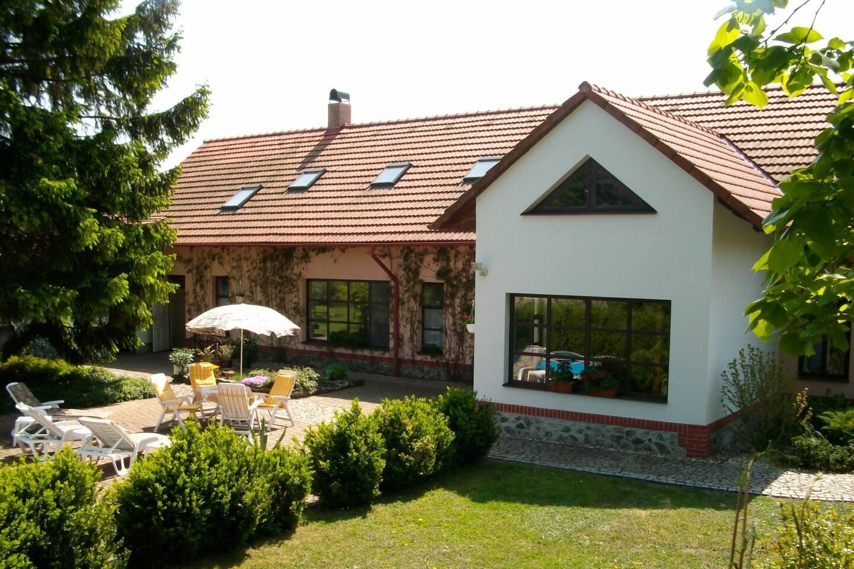 Guesthouse Marta - Back Garden