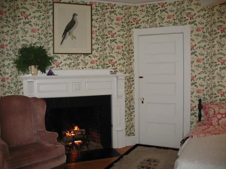 1889 Inn bordering Acadia Nat. Park