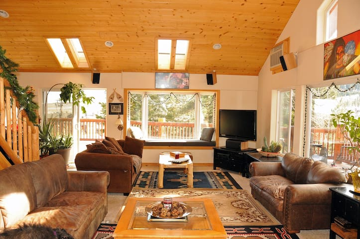Cozy Mammoth Bed and Breakfast Room - Mammoth Lakes - Penzion (B&B)