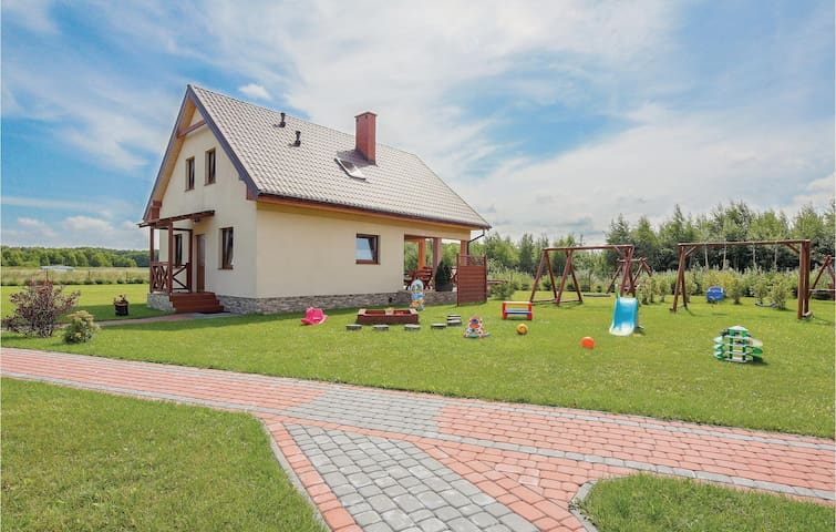 Holiday cottage with 3 bedrooms on 100m² in Mscicie