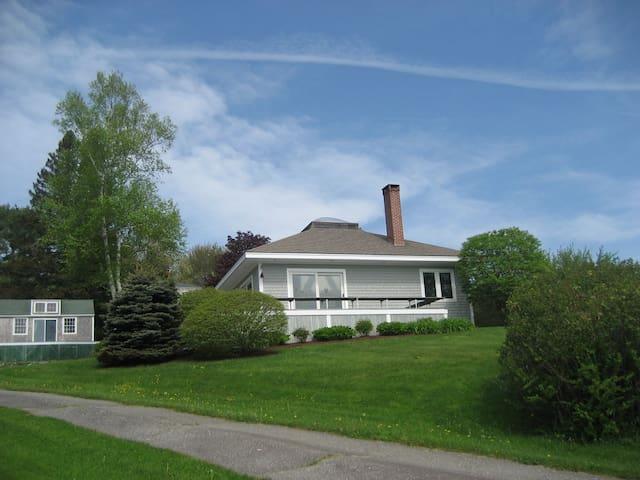 House on Round Pond Harbor