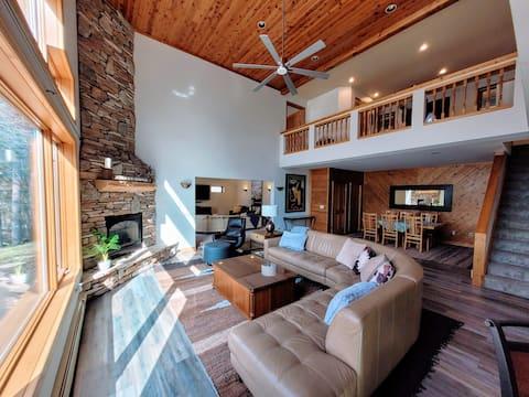 Good Vibes Lakeside Lodge