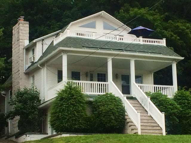 Charming Lake House/cancel 60 days no exceptions - Harveys Lake - Dom