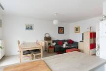 Chambre gris dans cozy appartement