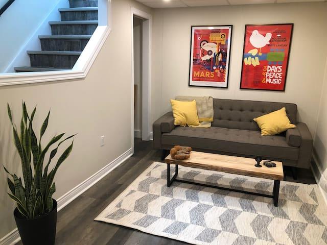 Fresh & Cozy Studio Apartment w/ Vineyard Views