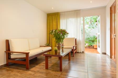 BEAUTIFUL APARTMENT IN NICE AREA - Bogota - Apartament