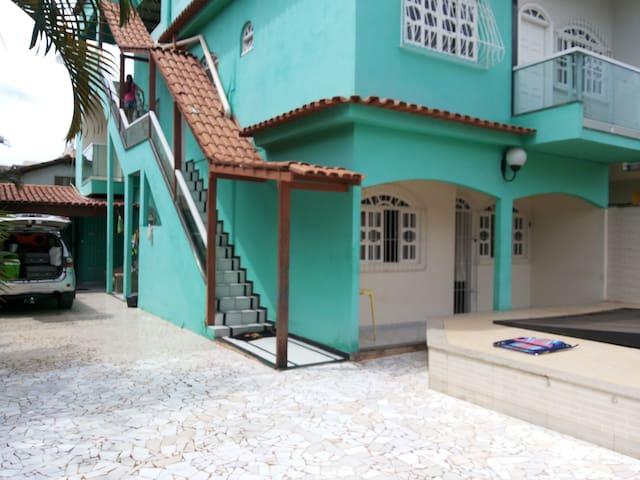 Casa com piscina e espaçosa Piúma - Piúma - Hus