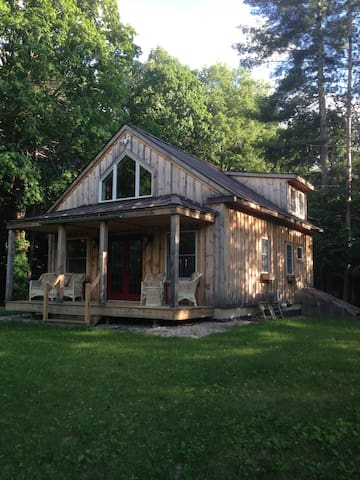 Romantic Private Vermont Cottage - North Bennington - Stuga
