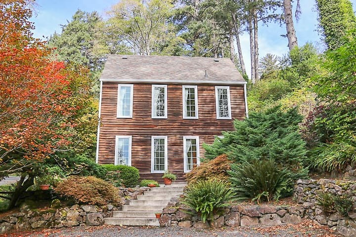 Exceptional Style in North Manzanita with Antiques, Wood Fireplace!