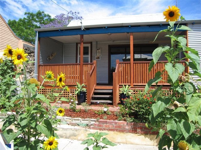 Fremantle South Beach House 4BD, 2B - South Fremantle - Huis
