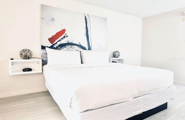 Beautiful Hotel Room Kissimmee 10 min Disney #52