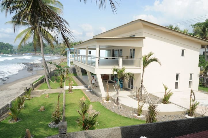 New  Home with own beach frontage   - Pelabuhan Ratu