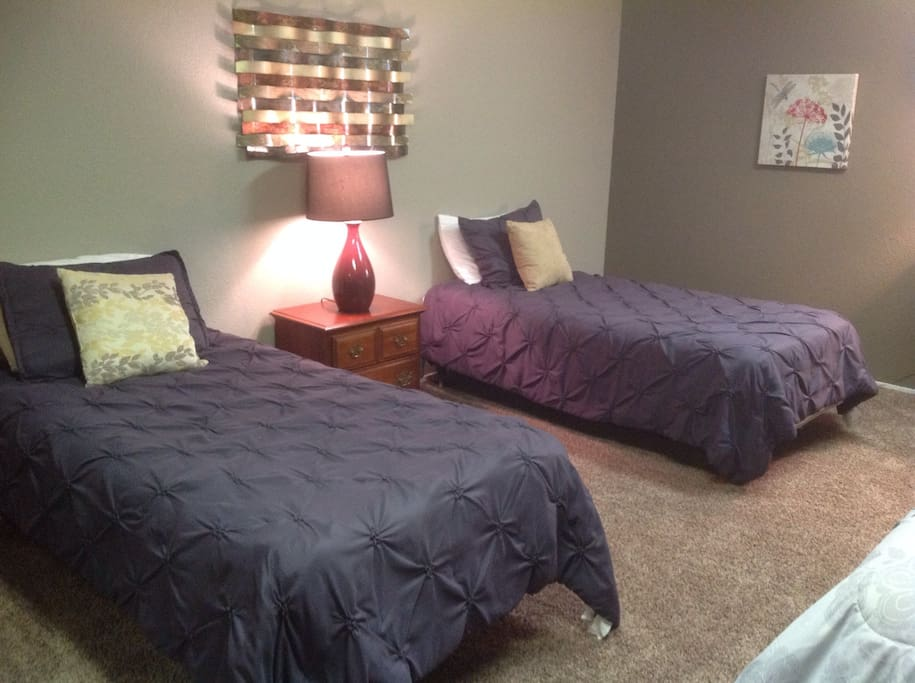 Suite 4 with 3 beds & private bath