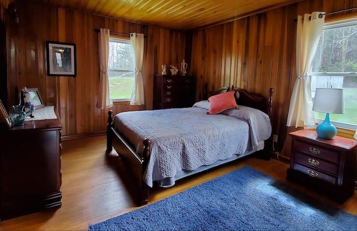 Hill Country Home near Lake Flanagan!